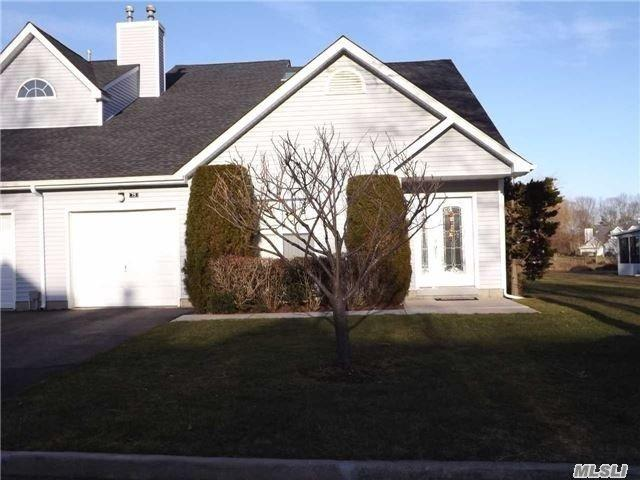 75 Lakeview Dr, Manorville, NY 11949 (MLS #2999913) :: Netter Real Estate
