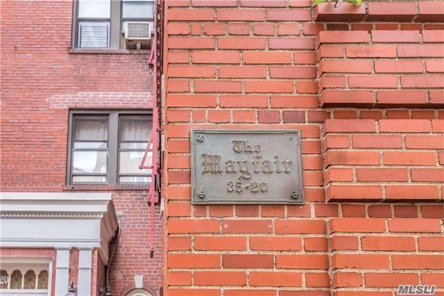 35-20 73rd St 6N, Jackson Heights, NY 11372 (MLS #3000986) :: Netter Real Estate