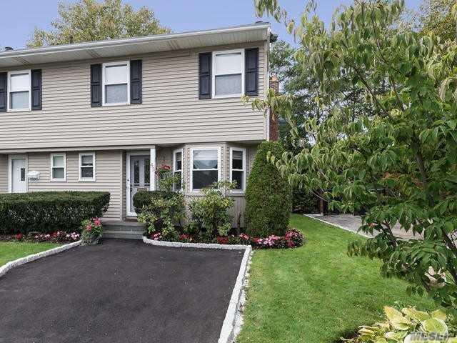 45 Manors Dr, Jericho, NY 11753 (MLS #3000990) :: Keller Williams Homes & Estates