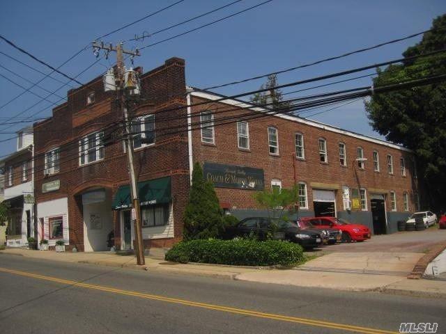 42 Forest Ave, Locust Valley, NY 11560 (MLS #3003921) :: The Lenard Team