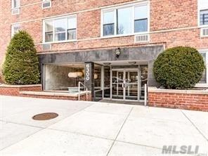 6300 Riverdale Ave #1C, Out Of Area Town, NY 10471 (MLS #3003957) :: Netter Real Estate