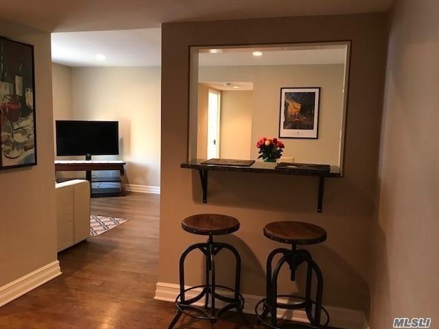 9 Terrace Cir 2G, Great Neck, NY 11021 (MLS #3004132) :: Netter Real Estate