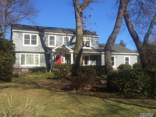 8 Bay Path Ct, Huntington, NY 11743 (MLS #3004498) :: Platinum Properties of Long Island