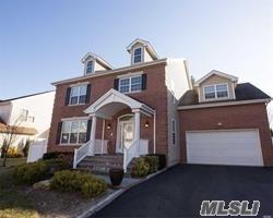 263 Rivendell Ct, Melville, NY 11747 (MLS #3004681) :: Netter Real Estate