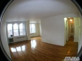 86-05 60th Road 2E, Elmhurst, NY 11373 (MLS #3004969) :: Netter Real Estate