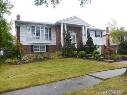 728 Turf Rd, N. Woodmere, NY 11581 (MLS #3005098) :: The Lenard Team