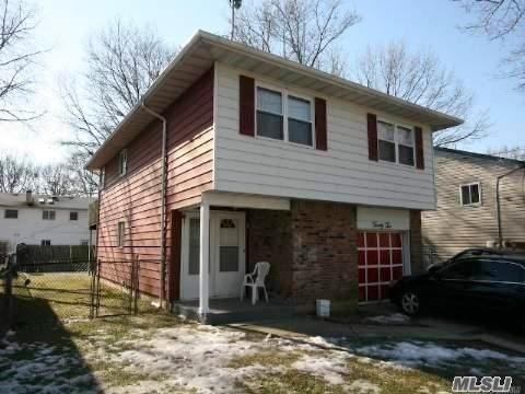 22 Leigh St, Huntington, NY 11743 (MLS #3005227) :: The Lenard Team