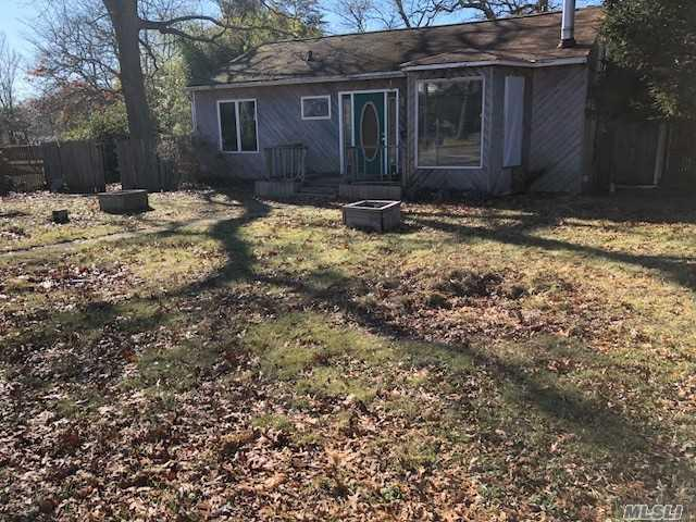32 Ackerly Ln, Lake Ronkonkoma, NY 11779 (MLS #3005826) :: Keller Williams Homes & Estates