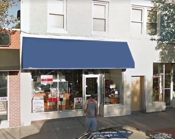 Amityville, NY 11701 :: Keller Williams Homes & Estates