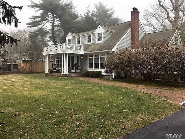 241 Durkee Ln, E. Patchogue, NY 11772 (MLS #3006257) :: The Lenard Team