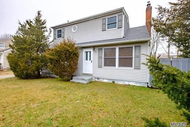 158 Mark Tree Rd, Centereach, NY 11720 (MLS #3006386) :: Keller Williams Homes & Estates