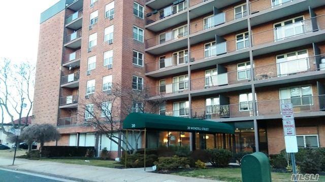 20 Wendell St 28D, Hempstead, NY 11550 (MLS #3006547) :: Netter Real Estate