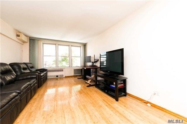 1625 Emmons Avenue 1K, Brooklyn, NY 11235 (MLS #3009823) :: Netter Real Estate