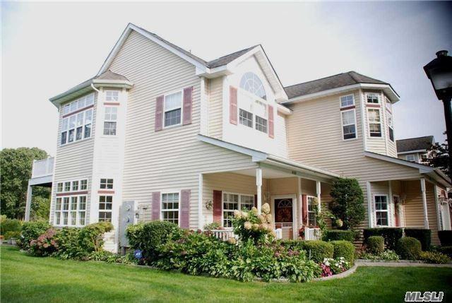 4106 Saint Andrews Ave, Riverhead, NY 11901 (MLS #3010051) :: Netter Real Estate