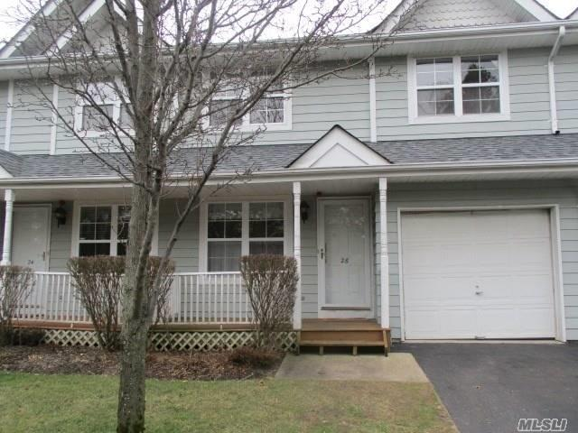26 Fairlawn Dr, Central Islip, NY 11722 (MLS #3011039) :: Netter Real Estate