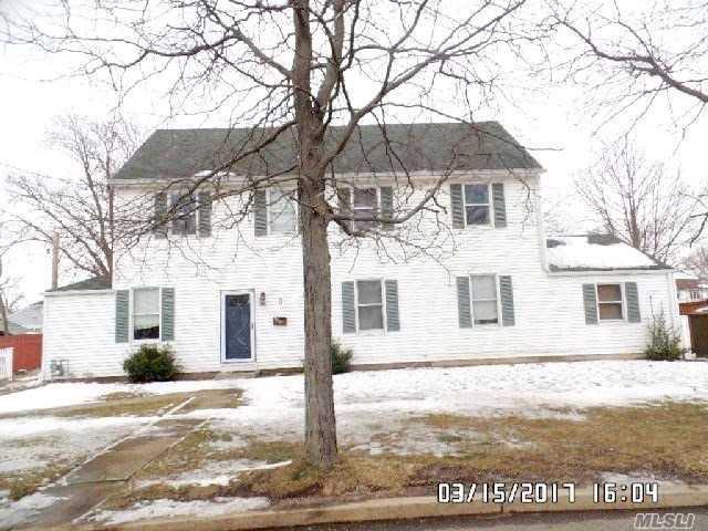 3 Araca Rd, Babylon, NY 11702 (MLS #3012442) :: Netter Real Estate