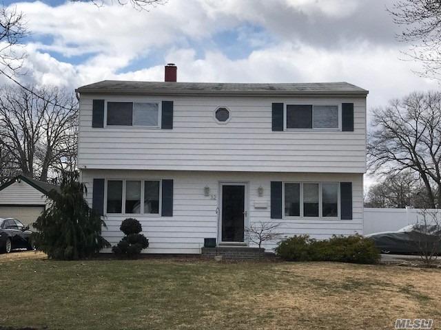 32 Carlls Path, N. Babylon, NY 11703 (MLS #3012772) :: Netter Real Estate