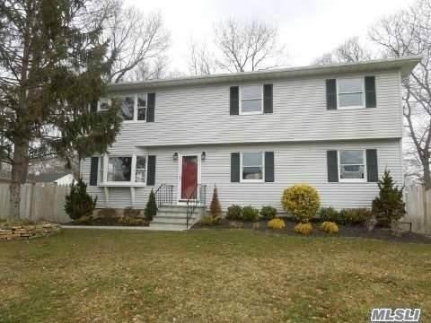 115 Main Ave, Mastic, NY 11950 (MLS #3013760) :: Netter Real Estate