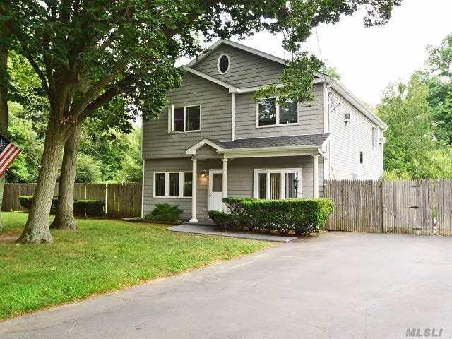 1411 Locust Ave, Bohemia, NY 11716 (MLS #3013777) :: Platinum Properties of Long Island