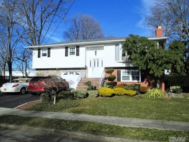 608 Tompkins Ln, Lindenhurst, NY 11757 (MLS #3013784) :: Netter Real Estate