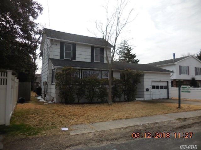 45 Ash St, Lindenhurst, NY 11757 (MLS #3013844) :: Netter Real Estate