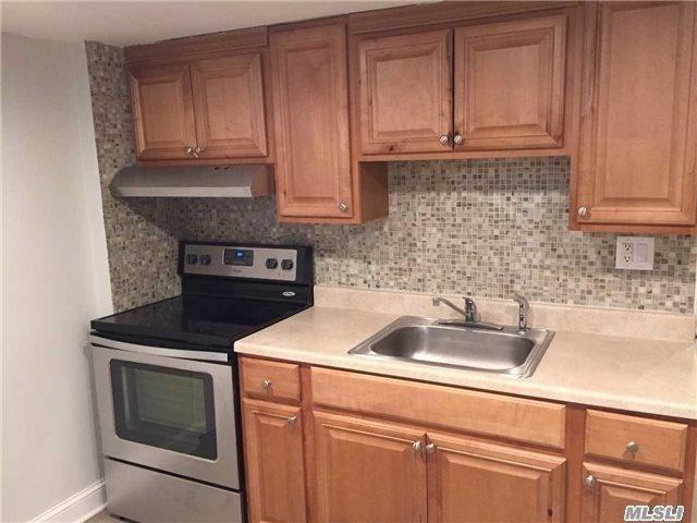4 Columbus Dr, Huntington Sta, NY 11746 (MLS #3014081) :: Netter Real Estate