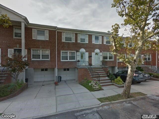 63-41A Douglaston Pky, Douglaston, NY 11362 (MLS #3014910) :: The Lenard Team