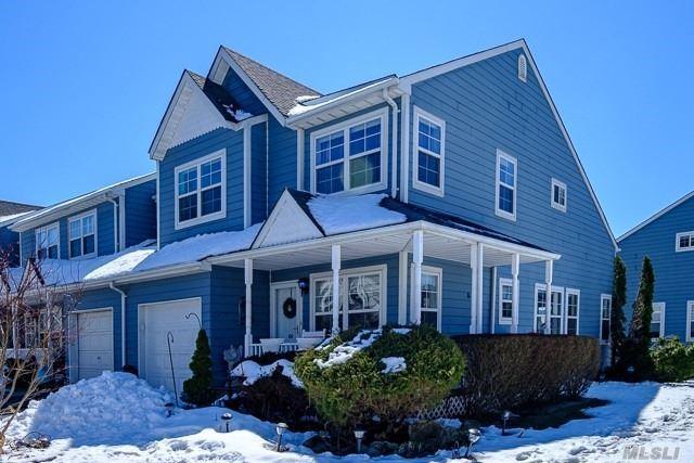 100 Sprucewood Blvd, Central Islip, NY 11722 (MLS #3014994) :: The Lenard Team