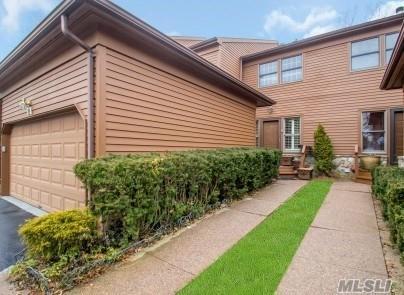 71 Hunt Dr, Jericho, NY 11753 (MLS #3017299) :: Netter Real Estate
