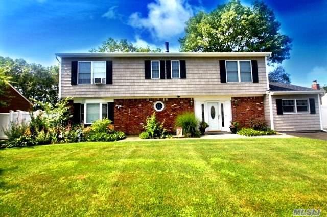 90 Live Oak Dr, Holbrook, NY 11741 (MLS #3017627) :: Netter Real Estate