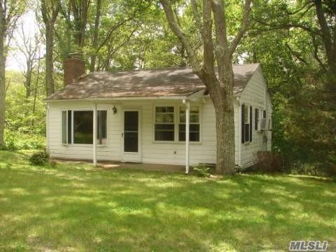 375 Broadwaters Rd, Cutchogue, NY 11935 (MLS #3018142) :: The Lenard Team