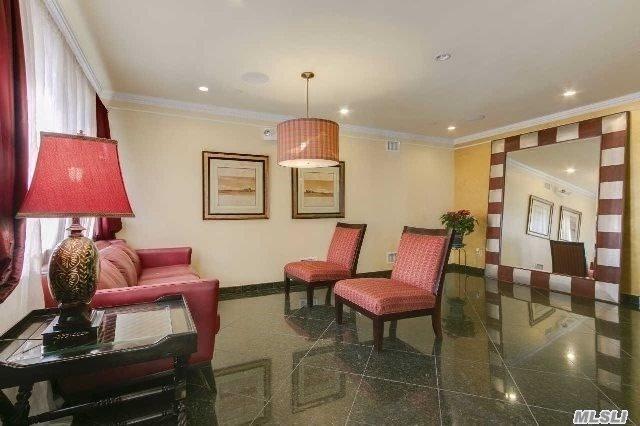 69-07 43rd Ave 3C, Woodside, NY 11377 (MLS #3020108) :: Netter Real Estate