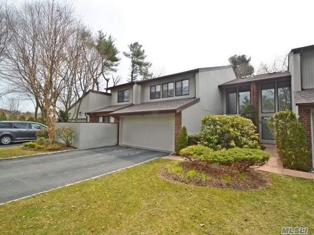 43 E View Ct, Jericho, NY 11753 (MLS #3020774) :: The Lenard Team