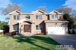 18 Delaware Ave, Jericho, NY 11753 (MLS #3022701) :: Netter Real Estate
