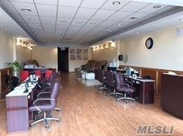 252-6 West Montauk Hwy, Hampton Bays, NY 11946 (MLS #3022995) :: The Lenard Team