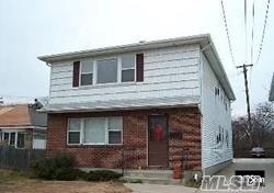 885 E Park Ave, Long Beach, NY 11561 (MLS #3024989) :: Netter Real Estate