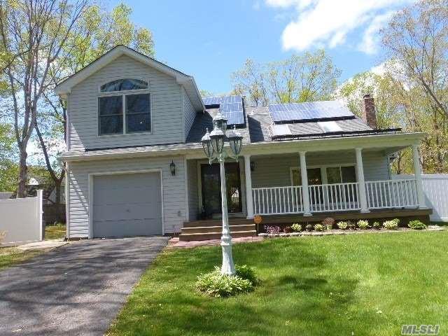 9 Lake Placid Ct, Coram, NY 11727 (MLS #3025516) :: Netter Real Estate
