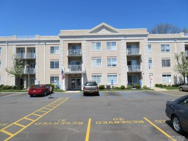 54 School St, Westbury, NY 11590 (MLS #3028084) :: Netter Real Estate