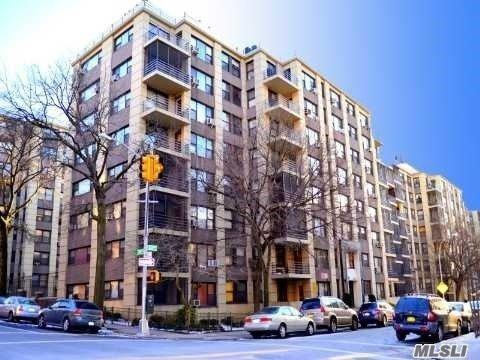 98-40 64th Ave 6F, Rego Park, NY 11374 (MLS #3029019) :: Netter Real Estate