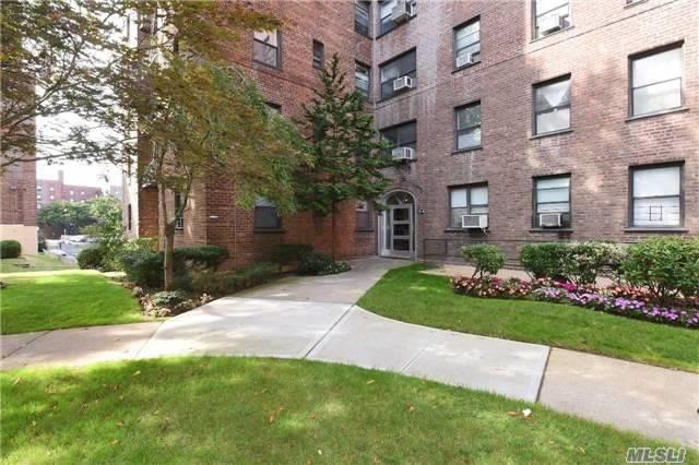 26-25 141st #2, Flushing, NY 11354 (MLS #3030190) :: Netter Real Estate