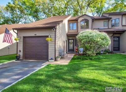 11 Jeremy Cir #11, Nesconset, NY 11767 (MLS #3030467) :: Netter Real Estate