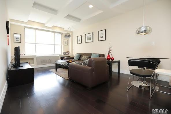 64-05 Yellowstone Blvd #302, Forest Hills, NY 11375 (MLS #3032196) :: Netter Real Estate