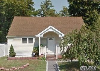 119 Claremont Ave, W. Babylon, NY 11704 (MLS #3032514) :: Netter Real Estate