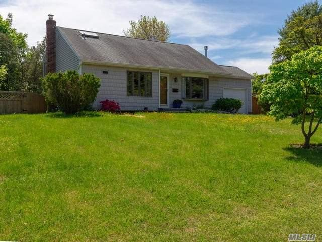 1 Rutgers St, Smithtown, NY 11787 (MLS #3032952) :: Keller Williams Points North