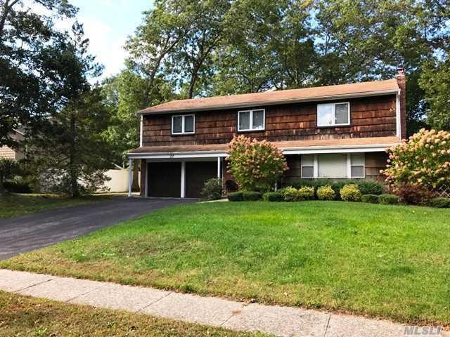 27 Summerfield Dr, Lake Grove, NY 11755 (MLS #3033047) :: Keller Williams Points North