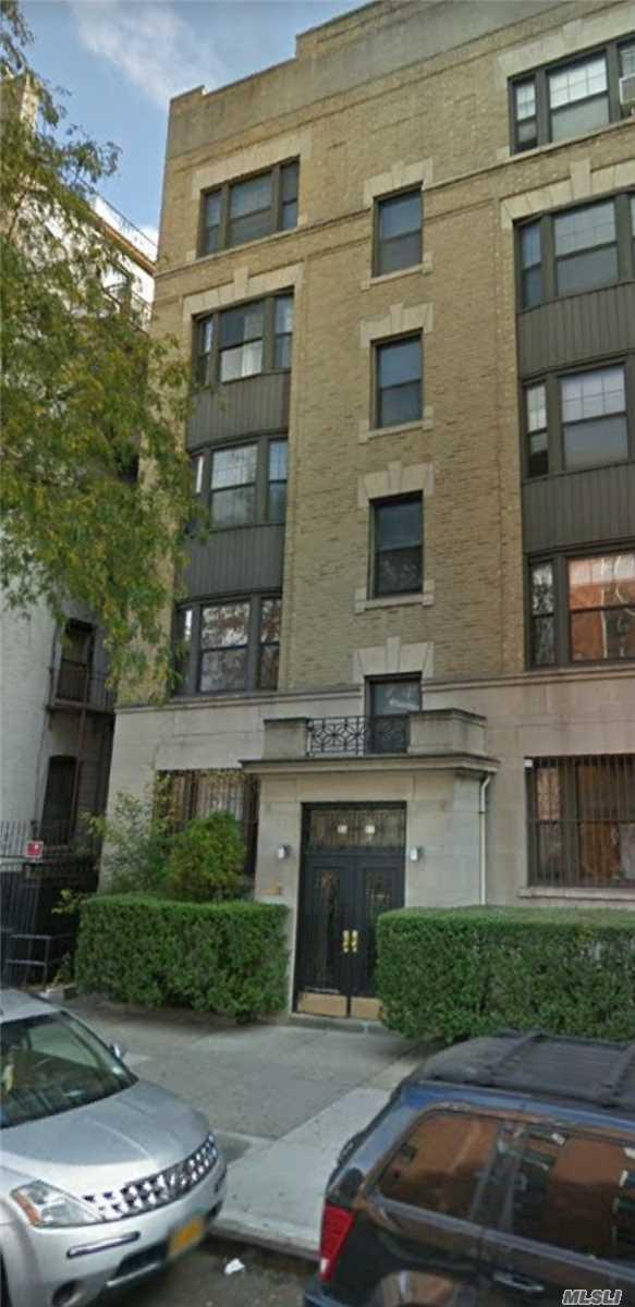 33-11 82nd Street #32, Jackson Heights, NY 11372 (MLS #3036467) :: Netter Real Estate