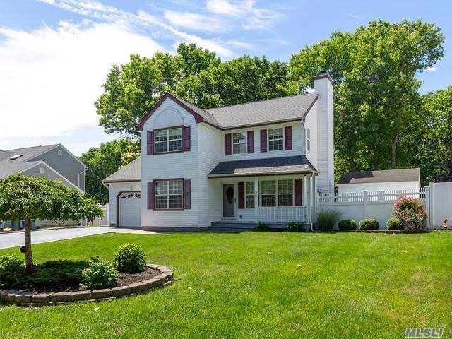 36 Winnecomac Cir, Kings Park, NY 11754 (MLS #3041128) :: Netter Real Estate