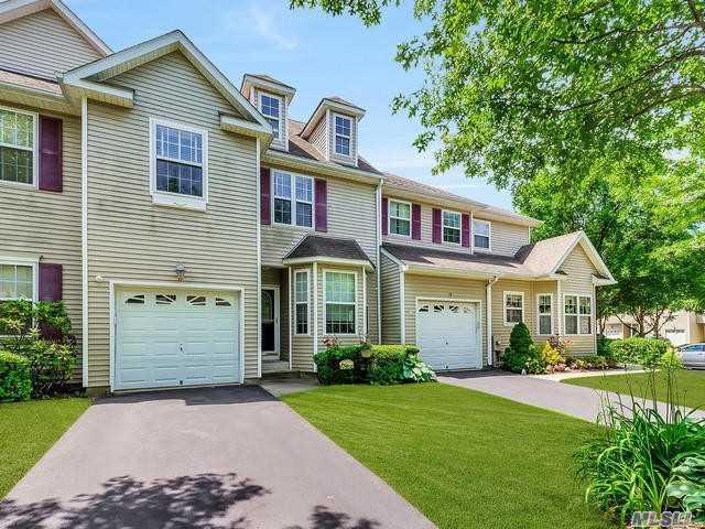 17 Avery Ct, Nesconset, NY 11767 (MLS #3043641) :: Keller Williams Points North