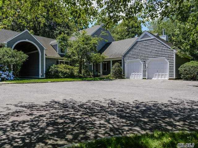 21 Quail Ridge Rd, Glen Cove, NY 11542 (MLS #3043978) :: Netter Real Estate