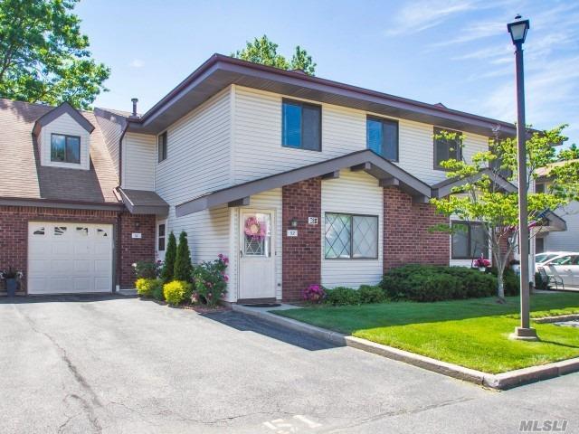 51 Cambridge Dr #51, Copiague, NY 11726 (MLS #3044477) :: Netter Real Estate